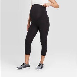 Pants - Black maternity cropped yoga pants